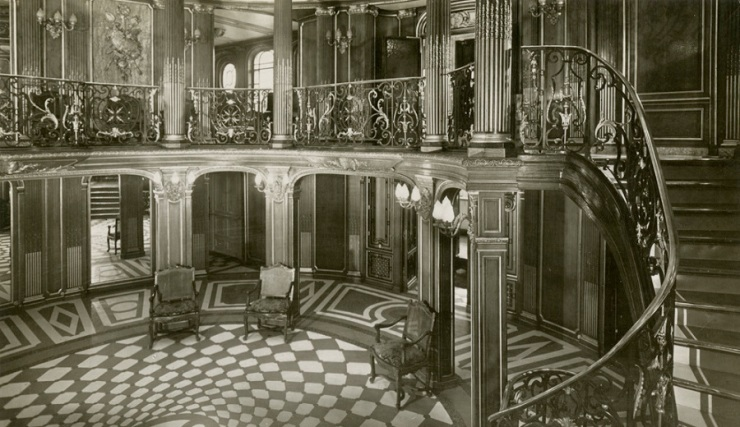 First_Class_Grand_Foyer_and_staircase_of_the_SS_France_of_1912