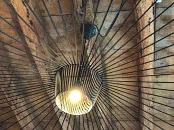 Lampe Vertigo Petite Friture. J'ai acheté le modèle couleur bronze pour le chalet.